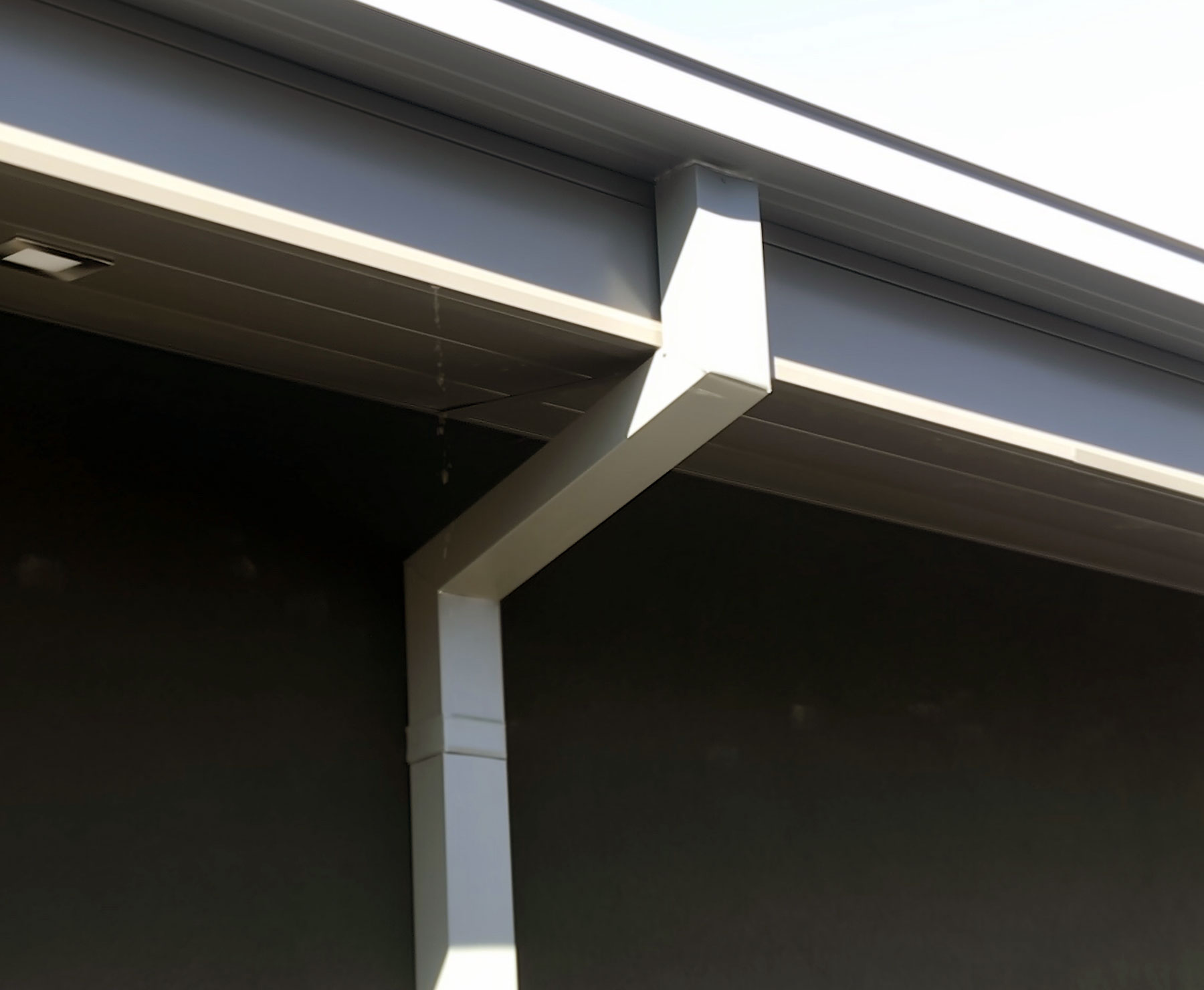 Eavestroughs and Gutters